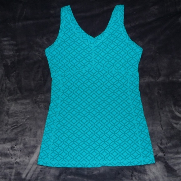Lucy Tops - NWOT Lucy Power Flow V-Neck Yoga Tank Sz M